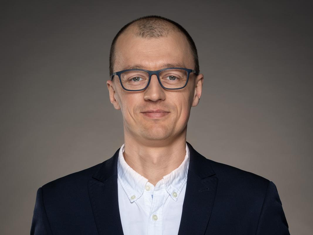 Prezes Maciej Kacper Gacek kacpergacek@zeomega.pl