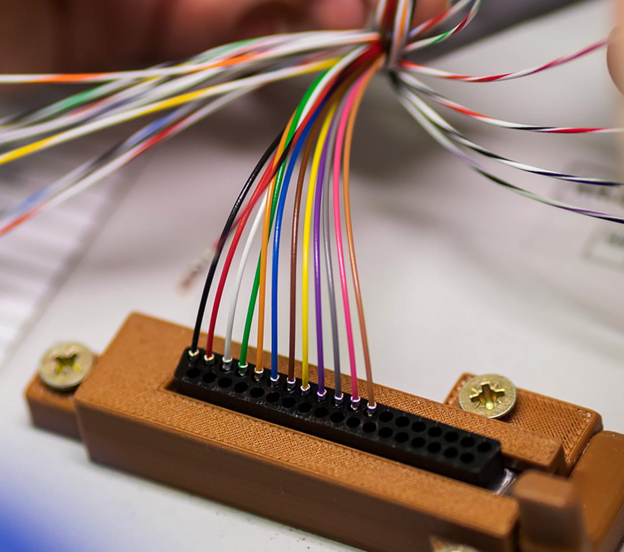 Produkcja wiązek elektrycznych Zakład Elektroniczny Omega